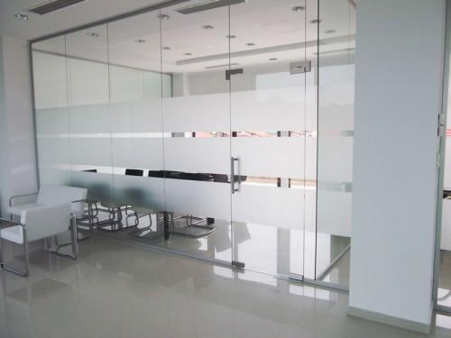 Compartimentare sticla camera de sedinte