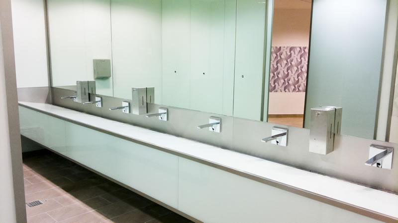 oglinda baie publica
